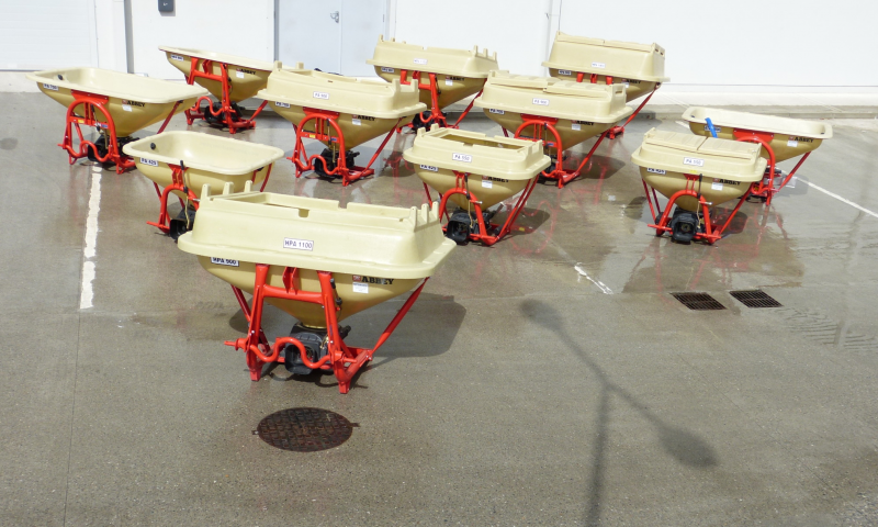 Abbey Pendular Fertilizer Spreader