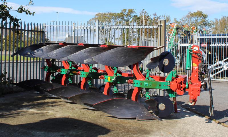 Kverneland ES85/200 5 Furrow Plough