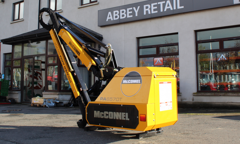 McConnel PA6570T Hedgecutter