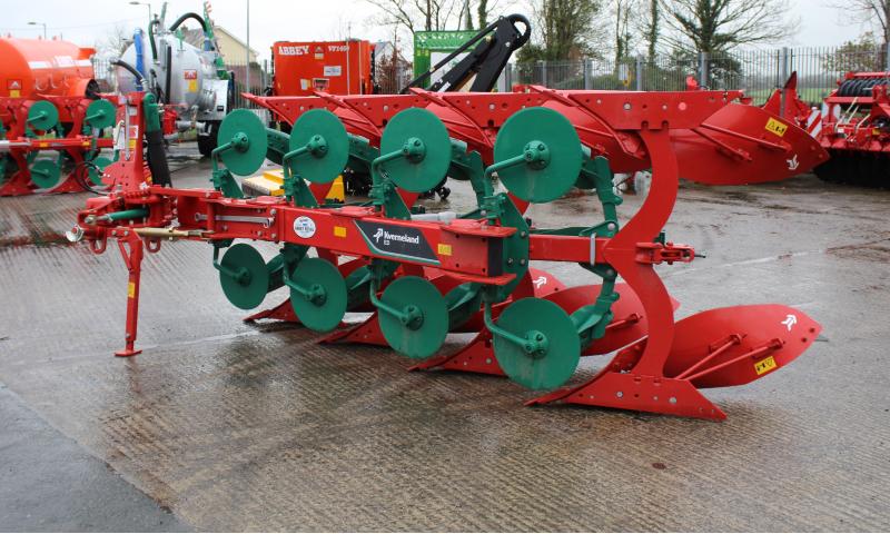 Kverneland ED 4 furrow Plough